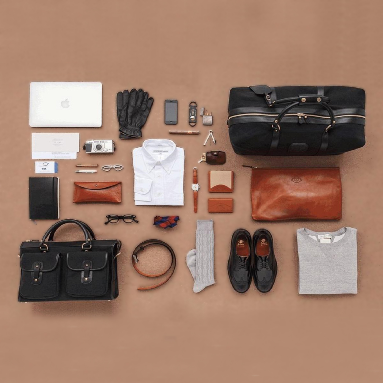 Si les ventes aux enchères de vêtements et d accessoires de mode pour femmes  foisonnent tout au long de l année, messieurs, ne désespérez pas   la ... 63ba8f1fab1