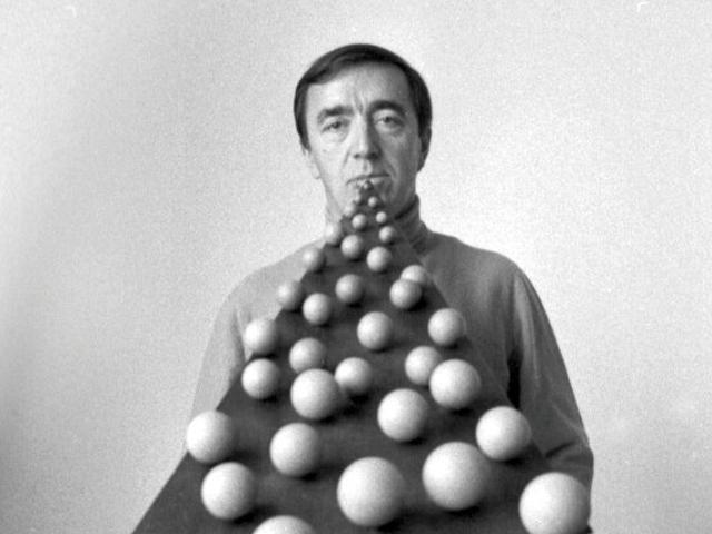 Pol Bury (1922 - 2005) Image via kunstzolder.be