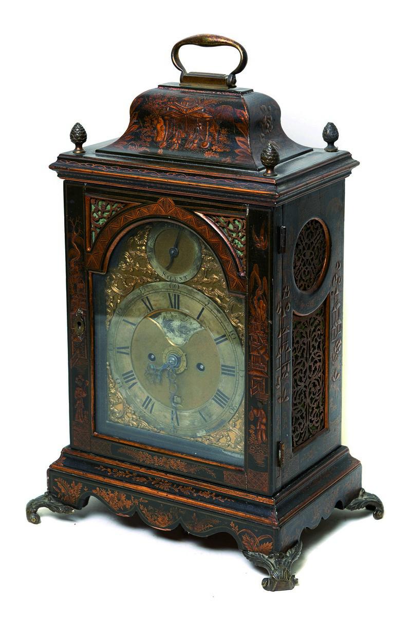 Reloj bracket inglés SMITH & SON LONDON en madera lacada y dorada con chinerías (siglo XIX)