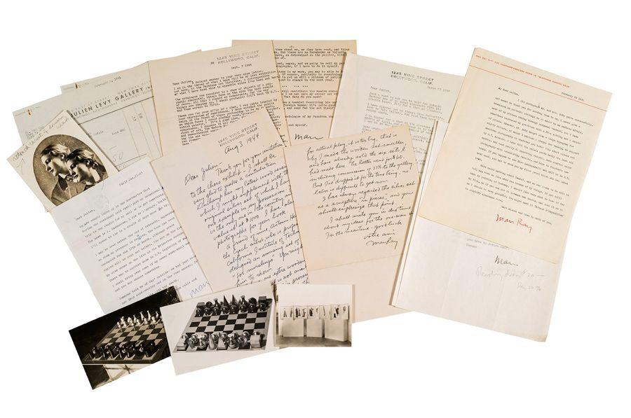 8 Briefe Man Rays an den Galeristen Julien Lévy, Paris und Hollywood 1933-1963 sowie 3 Fotografien | Foto via Aguttes