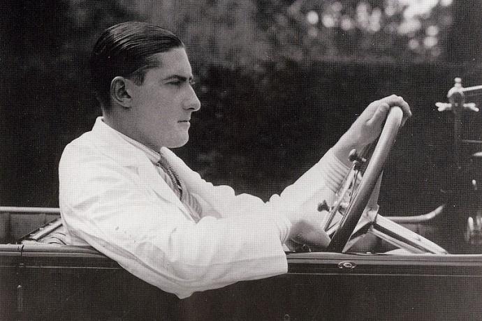 Portrait de Lionel Martin, co-fondateur de la compagnie aujourd'hui connue sous le nom d'Aston Martin