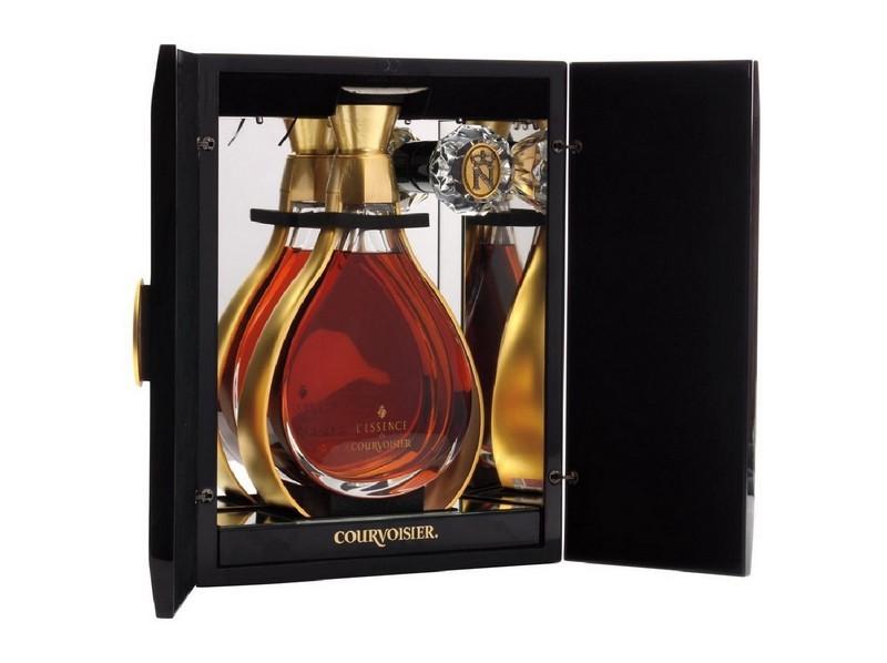 COURVOISIER L'Essence Cognac in Dekantier aus Baccarat-Kristall und beleuchteter Box
