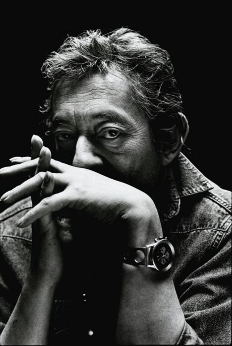 Nigel Parry Portrait De Serge Gainsbourg, Accoudé Mains Croisées. Photographie Originale Signée Et Numérotée. [Paris, Rue De Verneuil, 1989]. Lot Vendu 4,750 EUR chez Sotheby's