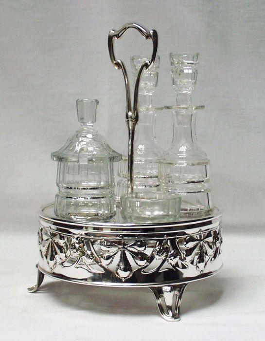 新藝術運動的調味餐具組:油、醋、芥末、鹽和胡椒, 1900年法國