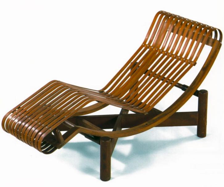 Une chaise longue en bambou inspirée de son voyage au Japon en 1941