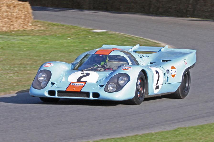 """La Porsche 917K, conduite par Steve McQueen dans le film """"Le Mans"""" a été vendue aux enchères aux Etats-Unis pour la somme de 14 millions de dollars soit près de 12 millions d'euros"""