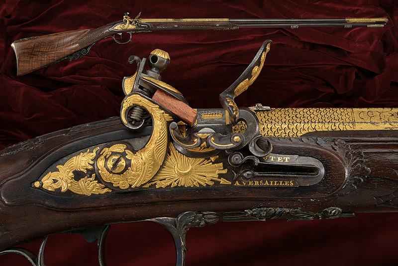 Ett exceptionellt flintlåsgevär av Boutet à Versailles. Utrop: 415 00 SEK