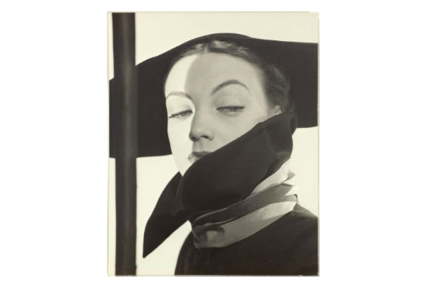 Erwin Blumenfeld, Has Fashion, Dior, New York, 1946. Foto: Koller