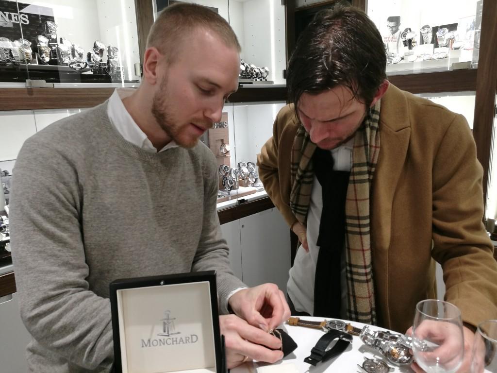 Oskar Gydell och Anton Svanberg pratar tidgivare.
