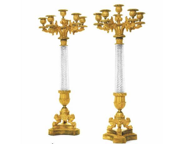 Ljusstakar i guldbrons och glas. Andra halvan av 1800-talet. Utrop: 2 000 USD. Christie's.