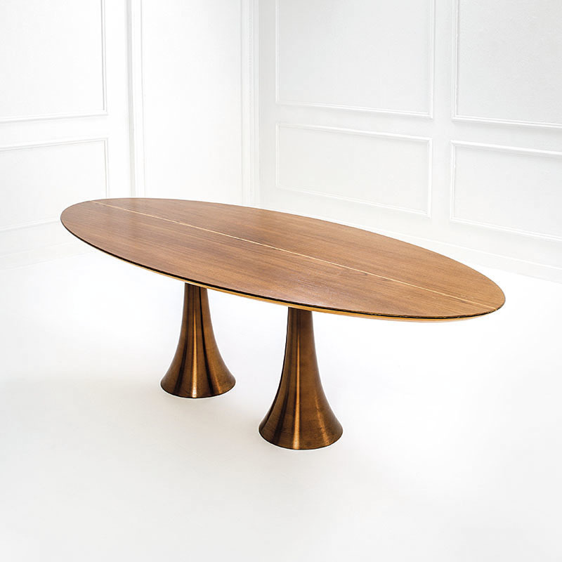 Angelo Mangiarotti, rare table - oval console, Execution Bernini in collaboration with Fonderia Battaglia, 1963 ca. Estimate 8-16,000 euros.
