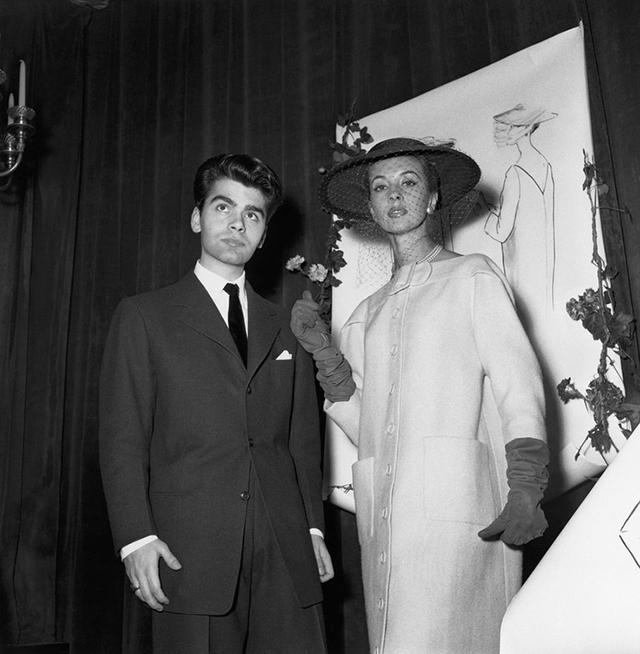 Karl Lagerfeld när han vann Woolmarkpriset 1954. Bild: Buro247