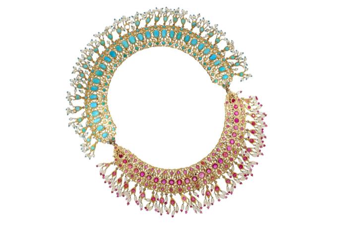 Bijou matrimonial indien avec rubis, turquoises et perles, probablement dans la 1ère moitié du XXe siècle, image © Cortrie
