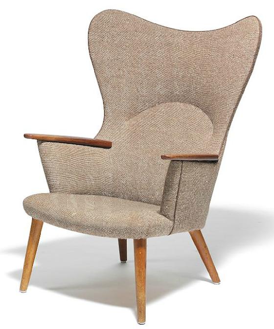 ...Mamma stol, formgiven 1954 ropas i 30 000 danska kronor