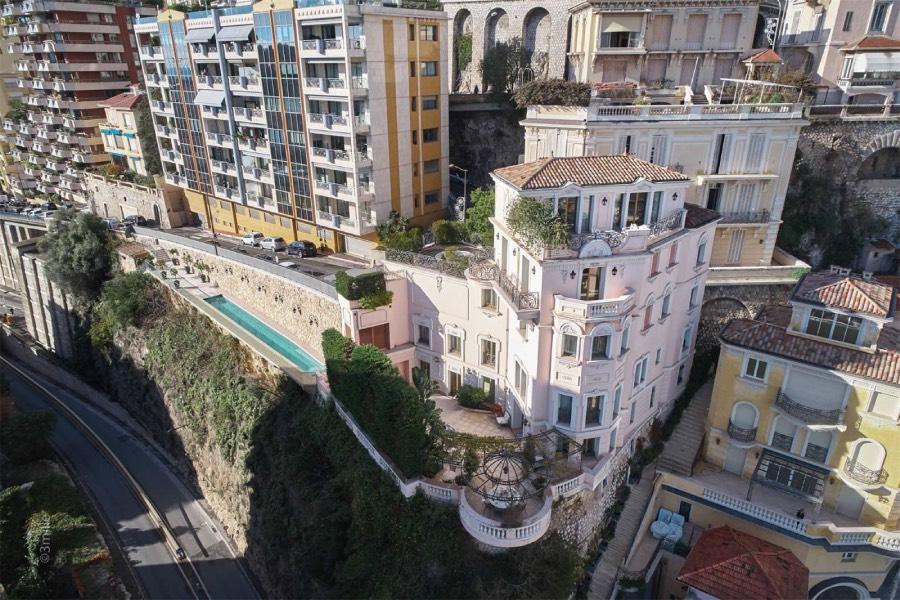 La vie en rose à la Villa l'Echauguette à Monaco, image ©Sothebysrealty.com