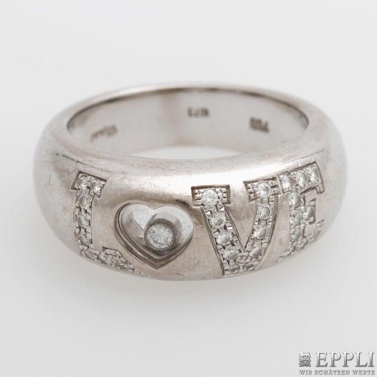 Att köpa smycken på auktion är ofta en väldigt bra affär. Den här ringen kanske från Choppard kan vara den perfekta morgongåvan. Även här är det tyska auktionshuset Eppli som auktioner ut ringen för