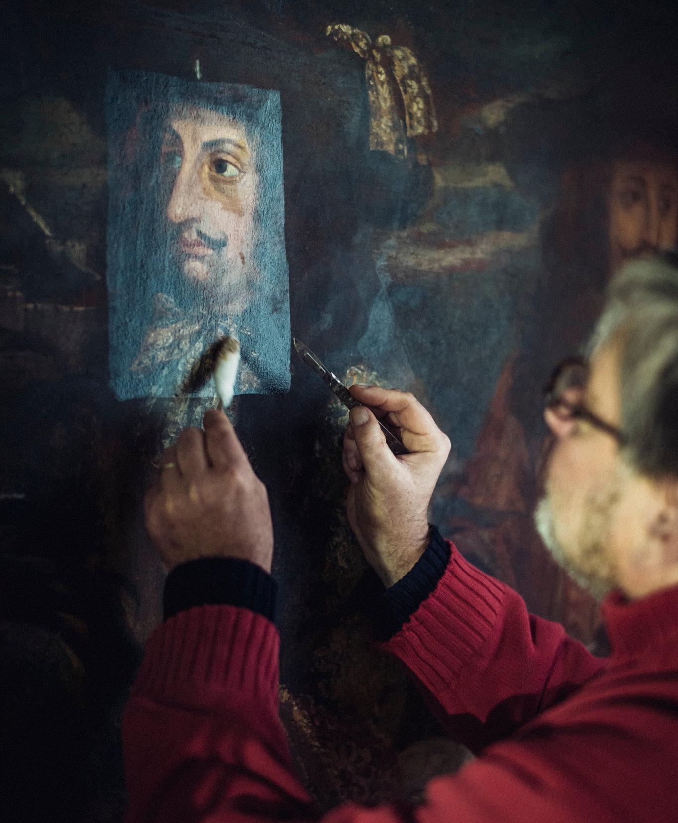 Le restaurateur Benoît Janson au travail, image ©Julien Mignot pour The New York Times