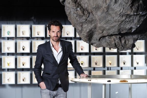 Mathieu Lehanneur était l'artiste sélectionné par Audemars Piguet en 2014 Ici, sur le stand Audemars Piguet d'Art Basel  Photo: Audemars Piguet