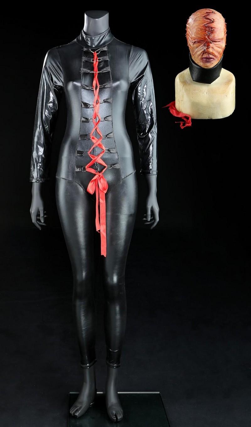 Mask och kostym. Bild: Prop Store