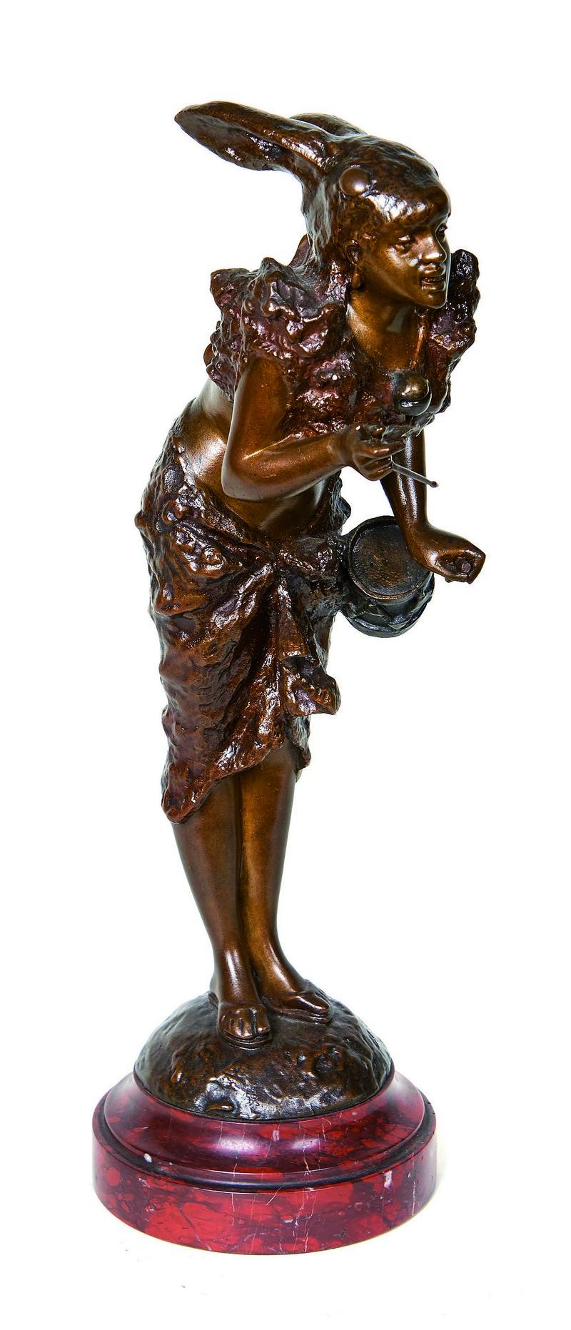 ALFRED GRÉVIN. Tamborilera. Escultura Art Nouveau en bronce. Firmada (s. XIX)