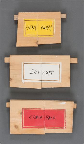 RICHARD NONAS (1936 Brooklyn) - stay away, get out, come back, Siebdruck, Assemblage, Holzbretter, unterschiedliche Größen, signiert, Serie 2005 Schätzpreis: 10.000-14.000 EUR Rufpreis: 6.000 EUR