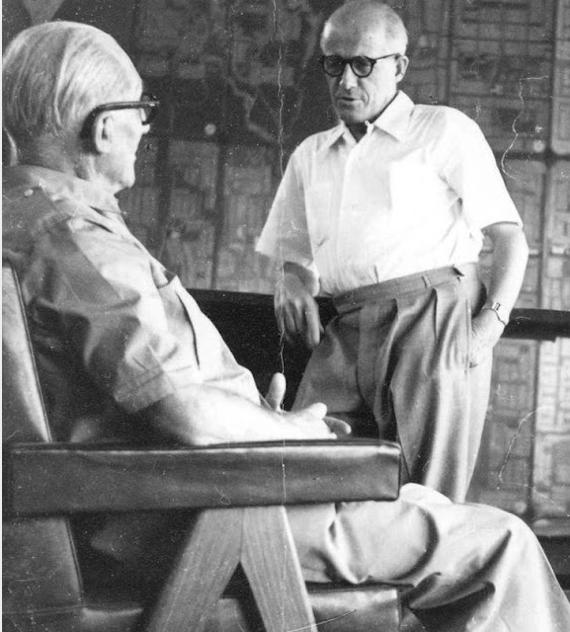 Le Corbusier et Pierre Jeanneret Image via flavia-wrapup.blogspot.fr