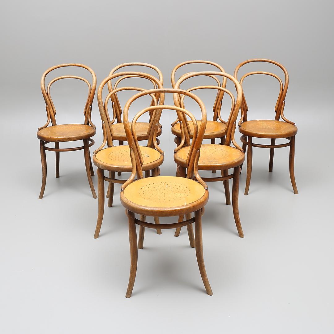 Stolar, 7 st. Thonet-stil, 1900-talets första hälft. Utrop: 600 sek. Växjö Auktionskammare.