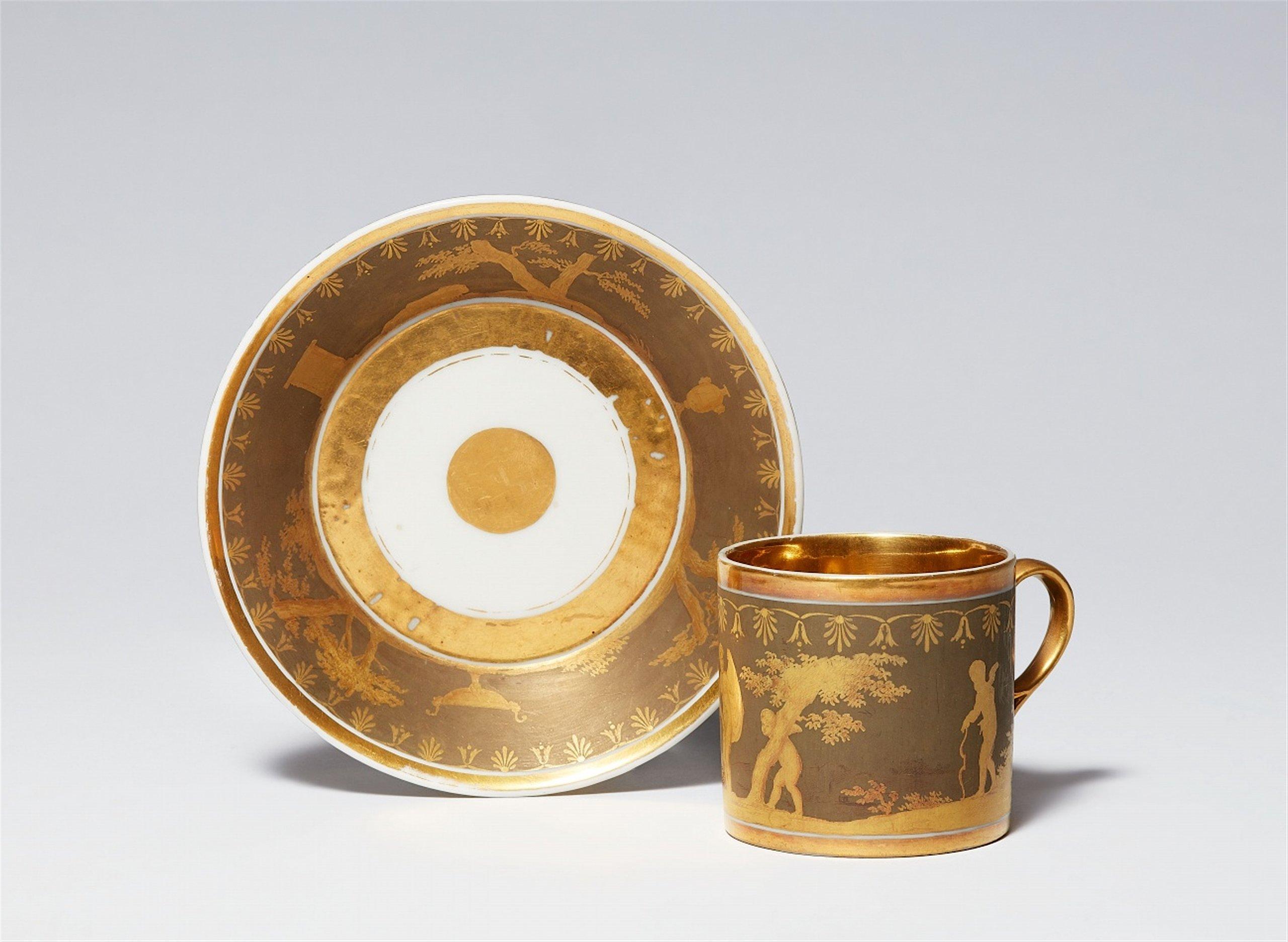 Tasse en porcelaine et sa soucoupe, Paris, fin XVIIIe, attribuée à La Courtille, image © Lempertz