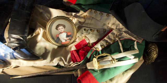 Les acheteurs ont été séduits par les effets personnels de la famille impériale Image: Alain Jocard/AFP