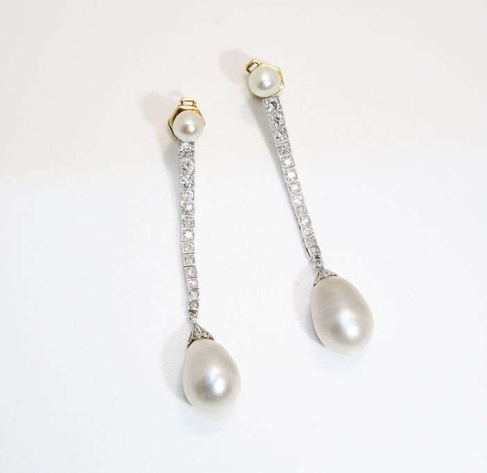 Boucles d'oreilles avec perles naturelles d'environ 10 × 15 mm, platine, diamants de 3 cts – certifiées