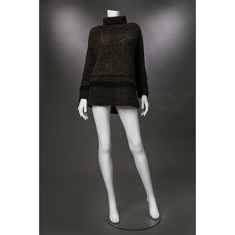 POLOTRÖJA, Greta Garbo. Design U.B Gregemark, Scandinave, handmade. Stickad, brun med svarta ränder. Polokrage. Utropspris 2 000 SEK.