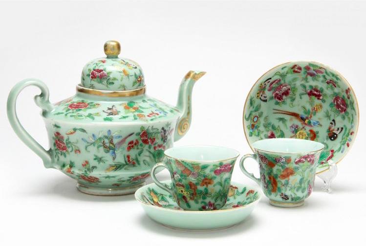 Chinese Export Porcelain Tête-à-Tête Tea Set, Low estimate: 200 USD, Leland Little.