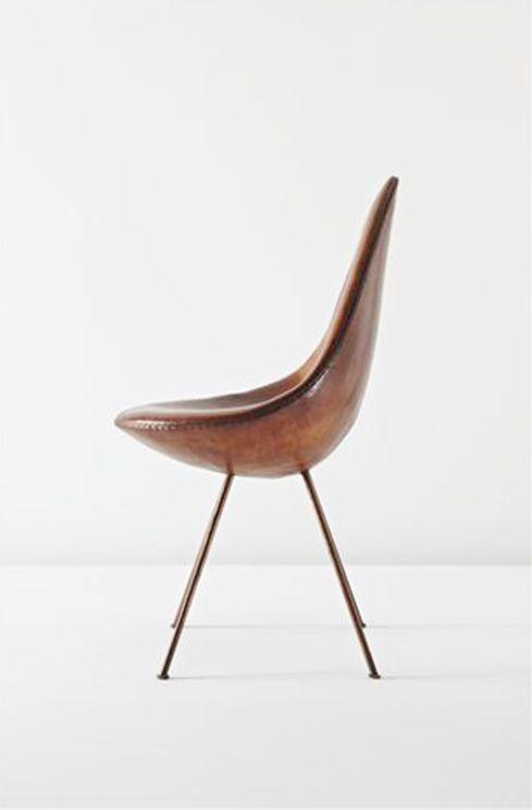 Arne Jacobsen. Drop-stol, såldes för 276 000 SEK på Phillips auktion i december 2010.