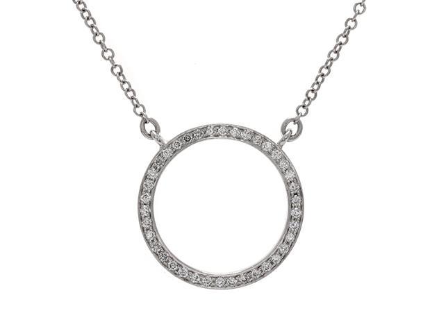 HAlsband, 18K vitguld med 38 briljantslipade diamanter.