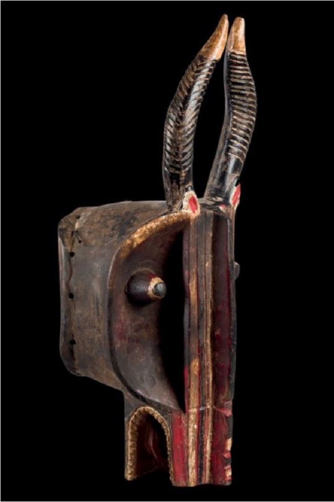 Lote 605: Máscara yelmo Goli Glen, cultura Baoulé, h. 1920. Precio salida: 4.750 €.