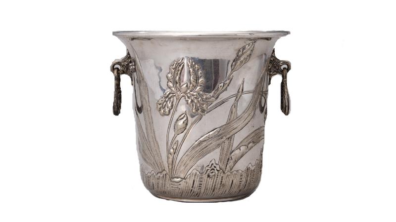Champagnekylare. Nysilver, Wiskemann, Belgien tidigt 1900-tal. På auktion hos Bukowskis den 19 juni.