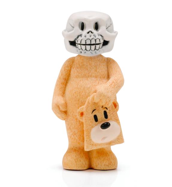 Japan, modern. Skelett iklädd björnkostym. Utropspris: 500 SEK.