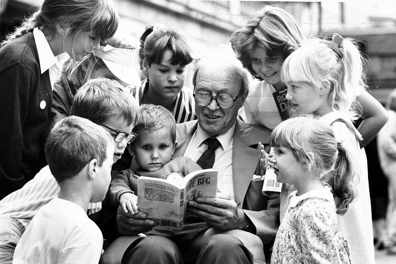 Roald Dahl reading The BFG Image via The Times