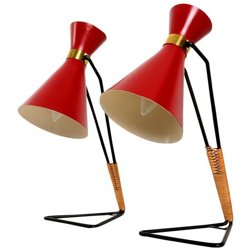 Bordslampor attribuerade Stilnovo. Utrop: 10,300 sek. Senaste bud: 4,100 sek.