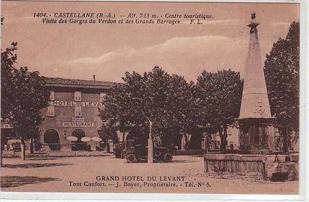 CASTELLANE Centre touristique - visite des gorges du Verdon et des grands barrages En vente chez Clément Maréchal