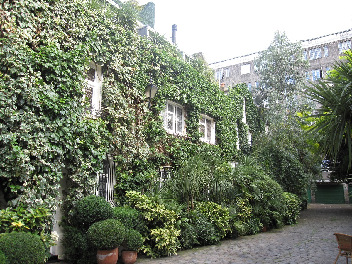 Casa de Lucie Rie en 8 Albion Mews. Imagen vía: Wikimedia Commons
