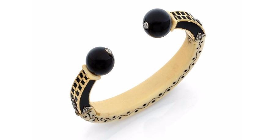 Cartier, bracelet Soudanais onyx et ivoire, vers 1919. Adjugé frais inclus 58 500 euros.