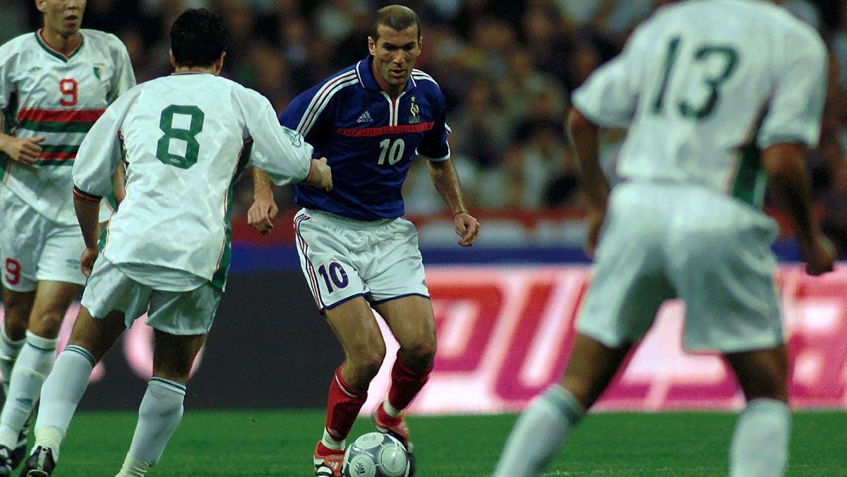 Le maillot de Zidane du France - Algérie d'octobre 2001 faisait partie de la vente, image ©MaxPPP