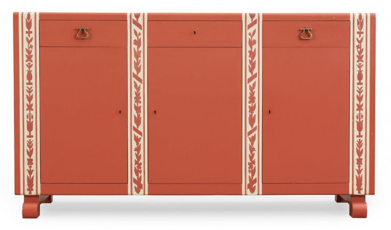Sideboard av Carl Malmsten, sålt för 46 550 kronor år 2014 på Bukowskis. Foto: Bukowskis.