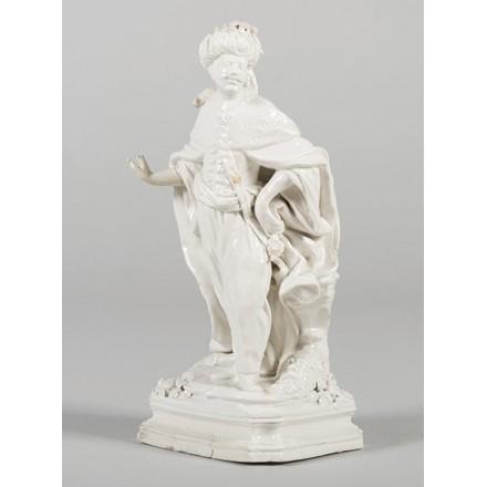 figura-de-rey-oriental-en-ceramica-de-alcora1787-1810