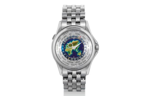 World Time 5131 par Patek Philippe, adjugé 214 000 euros chez Christie's à Hong Kong le 27 novembre 2011 Image: Christie's