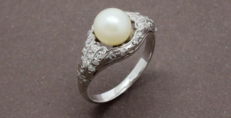 Bague Art Deco Perle et Diamants Or Blanc Création Benoit Joaillier