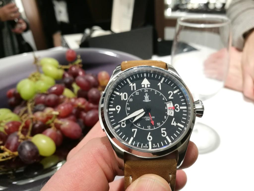 Palmshot of the Monchard Skytoucher GMT!