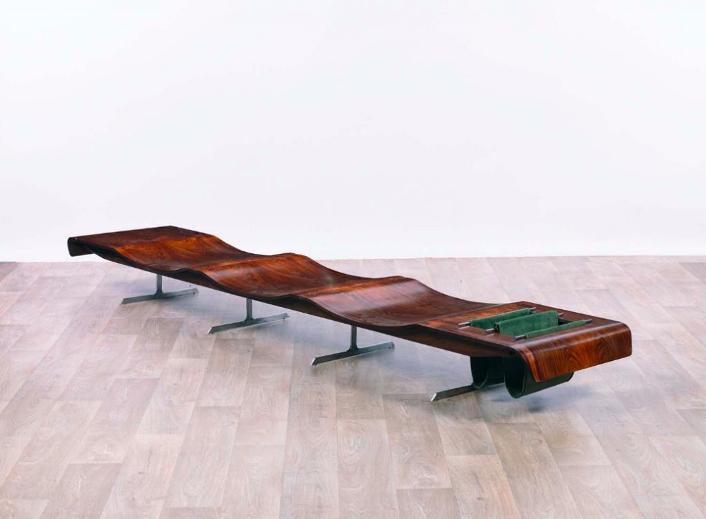 Jorge Zalszupin, 'Onda' Bench, 1960. Photo: Leclere