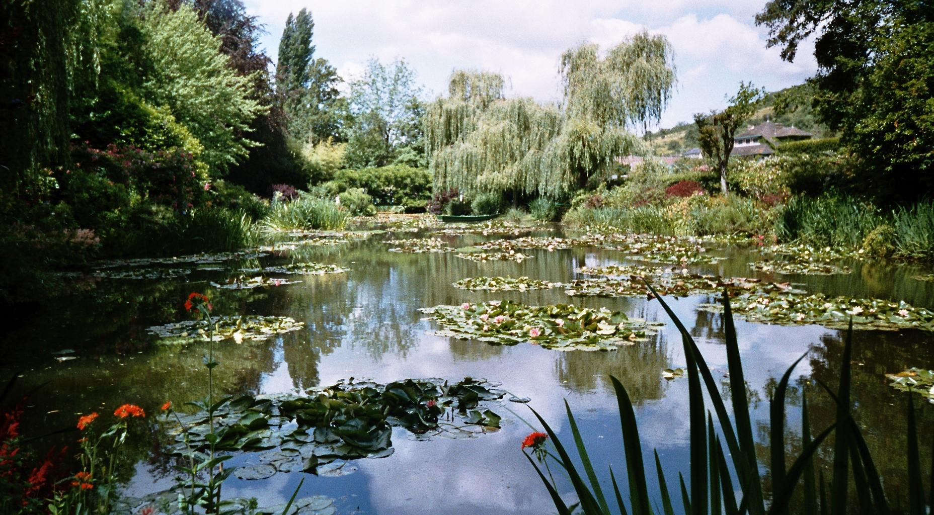 Le jardin de Claude Monet à Giverny Image via Wikimedia